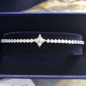Swarovski Star bracelet. Adjustable size brand new